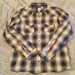 NWOT PATAGONIA men's button down shirt